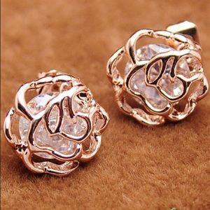🌺4 Items $25🌺 Flower Stud Earrings-Rose Gold